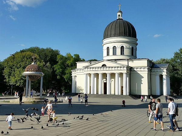 Prawosławna katedra Narodzenia Pańskiego. Centrum Kiszyniowa